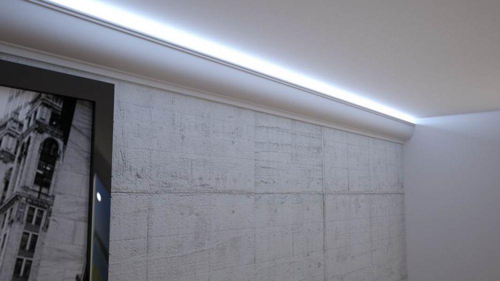 Montaż taśmy led pod sufitem - montaż taśmy led na ścianie